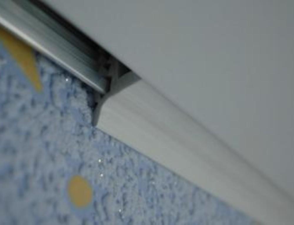 Плинтус потолочный под натяжной потолок