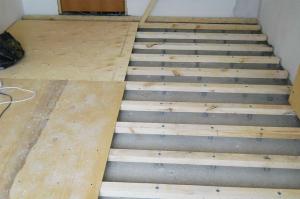 vyravnivanie-betonnogo-pola-faneroj-3
