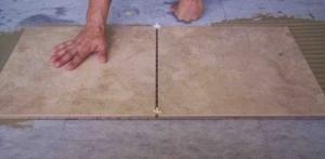 ukladka-keramogranitnoj-plitki-na-pol-4