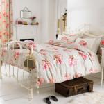 Удлиненная и широкая двуспальная кровать
