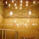 Как установить зеркальный потолок в ванной комнате