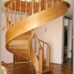 Свойства и особенности дубовых лестниц
