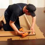 Как установить дверную коробку самому